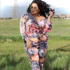 Other - Plus size long sleeve jumper pant with print